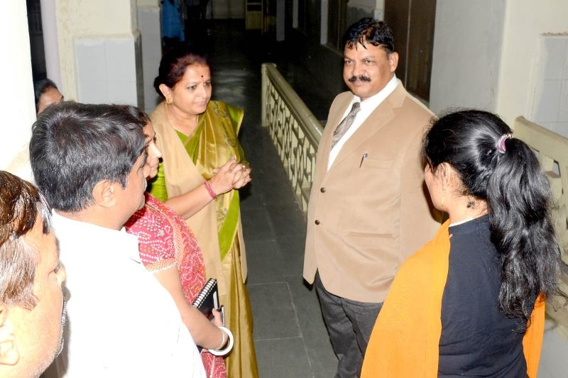 Minister Smt. Chitnis Enquires about Health of Victimised Girl