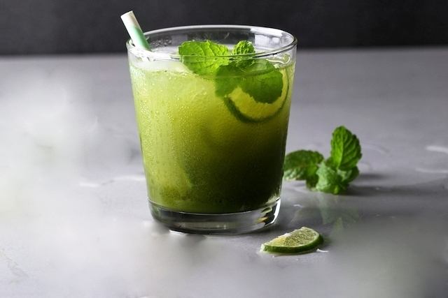 Matcha Iced Mint Leaves Tea