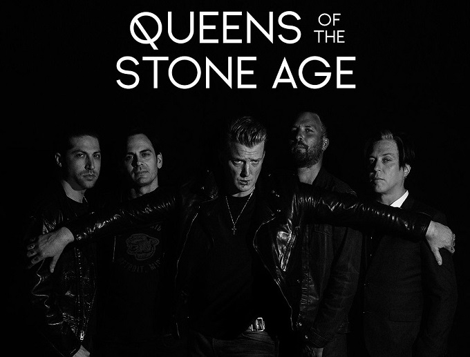 "OMG : Musician Josh Homme, Lead from ""Queens of the Stone Age""  kicks Female Photographer on the face"