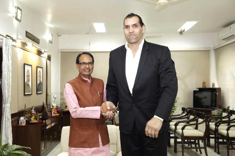 World Champion the Great Khali Pays Courtesy Visit to CM Chouhan