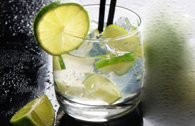 Rum Caipirinhas Light