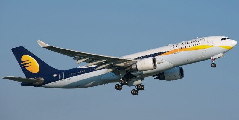 "Passenger Flight turn ""Fighter"" after Pilot's midair fight: Jet airways grounded both"