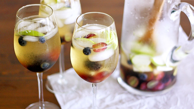 White Wine-Elderflower Apple Sangria