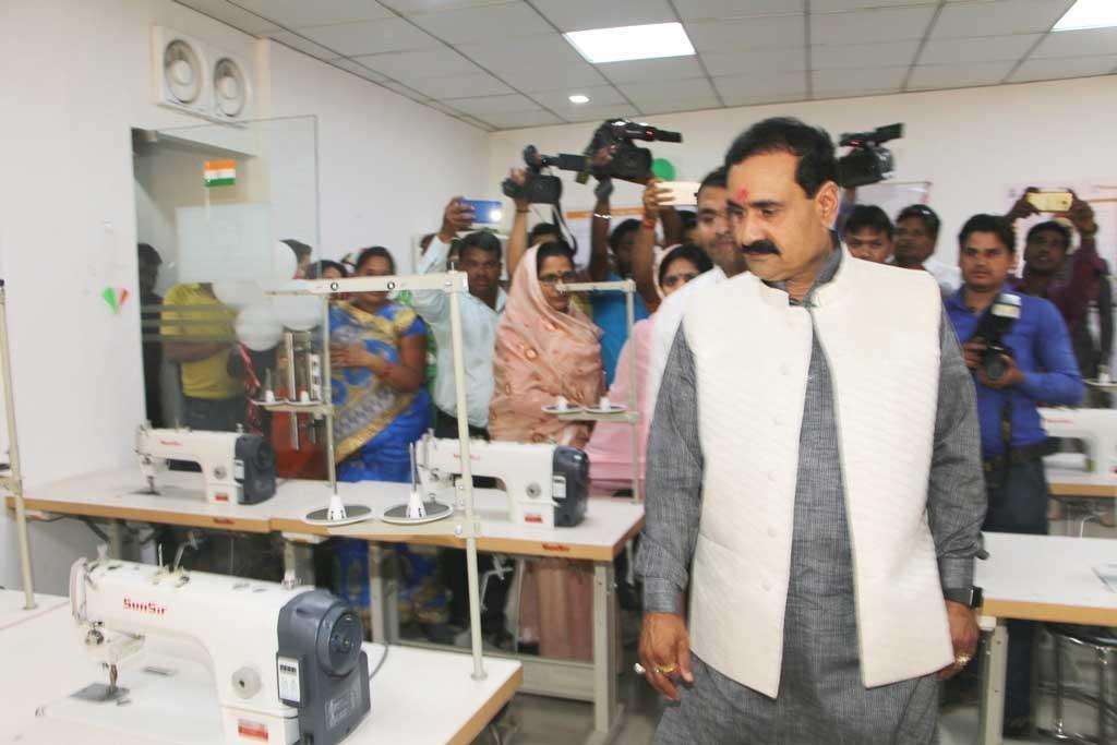 PR Minister Dr. Mishra Inaugurates Pradhan Mantri Koushal Vikas Kendra