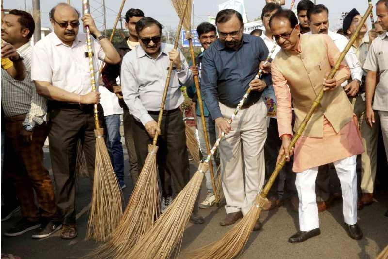 Atmosphere of Healthy Cleanliness Competition in State