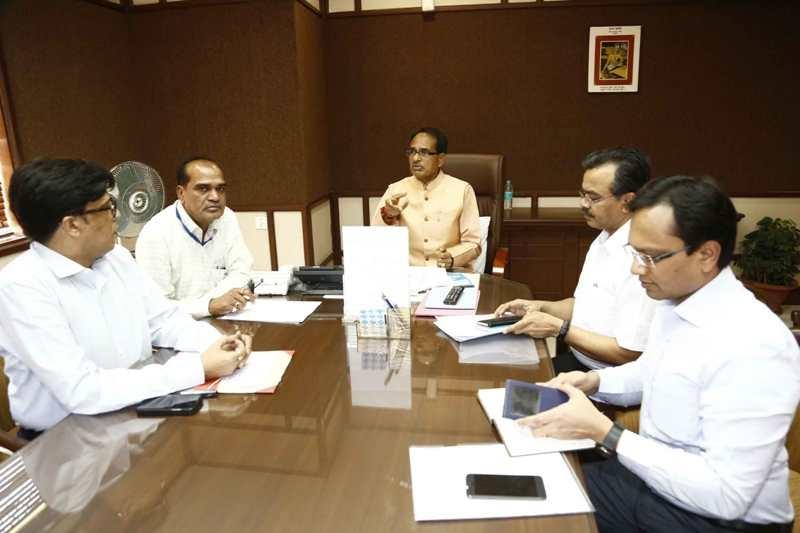 Chief Minister issues directives to include Garlic in Bhavantar Bhugtan Yojana
