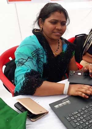 Sangeeta Damor becomes Bank Sakhi of Para village in Jhabua district