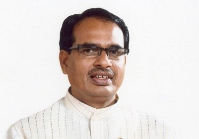 CM Chouhan greets people on Ramnavmi