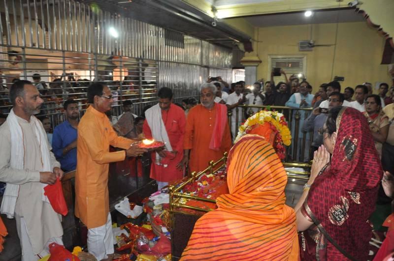 CM Chouhan performs Pooja Archana at Salkanpur
