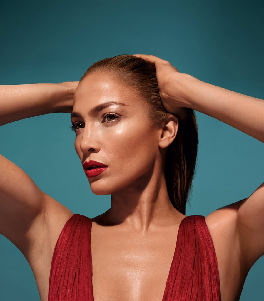 Jennifer Lopez to launch her makeup collection today