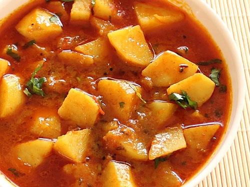 Gujarati Aloo Masala Curry