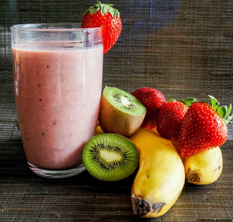 Strawberry Banana Kiwi Smoothie