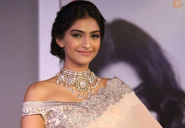 Sonam Kapoor will bang on Red Carpet in Traditional Wedding Bangles (Chooda)