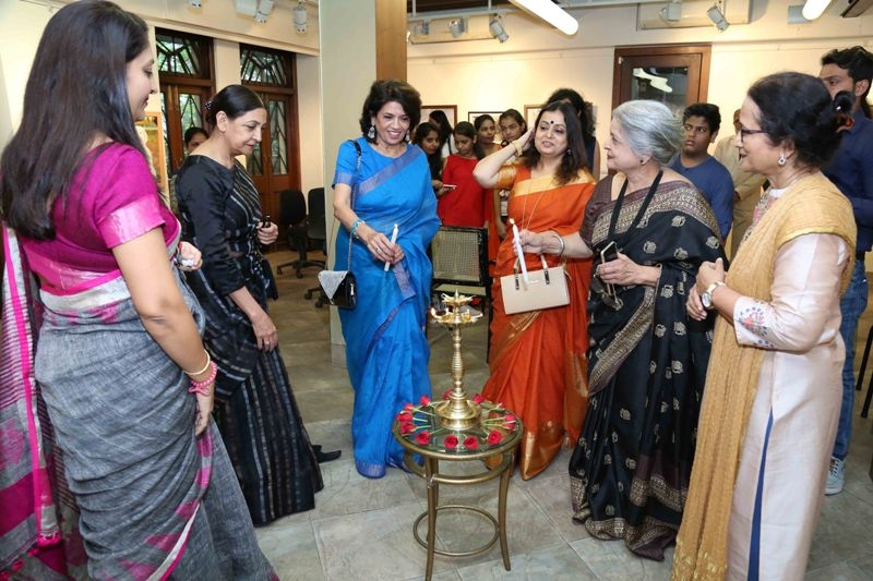 "Deepti Naval inaugurates Vimala Nandakumar's Art Exhibition  ""The Girl -Sarva-shakti-Mayi"""