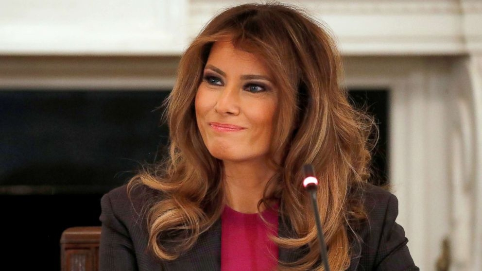 Melania calls for end to Trump s family separation policy