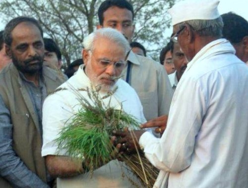 Knowing the resentment of farmers, PM Narendra Modi talks to them