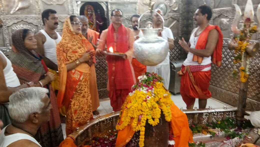 CM Chouhan performs puja-archana at Lord Mahakaleshwar