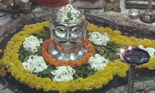 झूठे आरोपों से मुक्ति के लिए मकर राशि के जातक करें 'इस' ज्योतिर्लिंग की पूजा