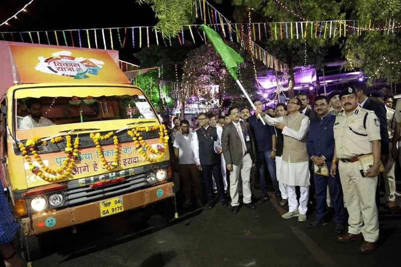 CM Chouhan flags off Vikas Yatra Raths of Bhopal District