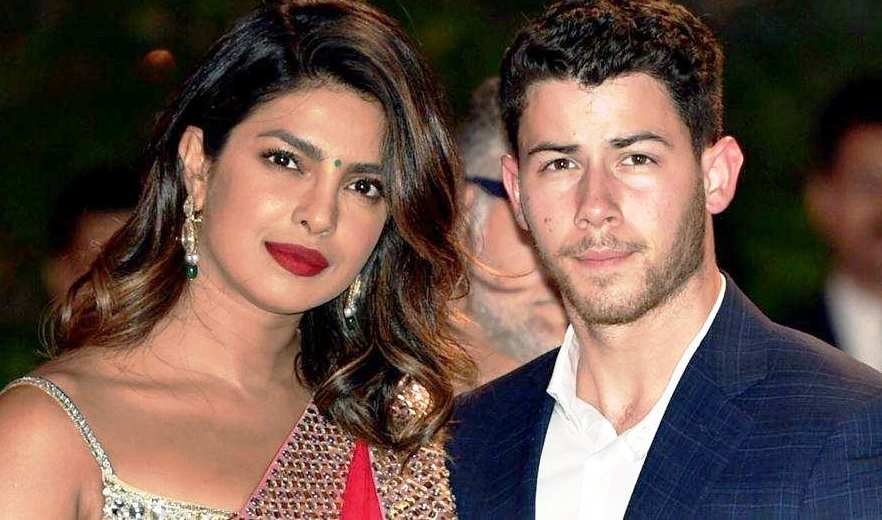It's Official Now; Priyanka-Nick shared romantic pictures of after engagement