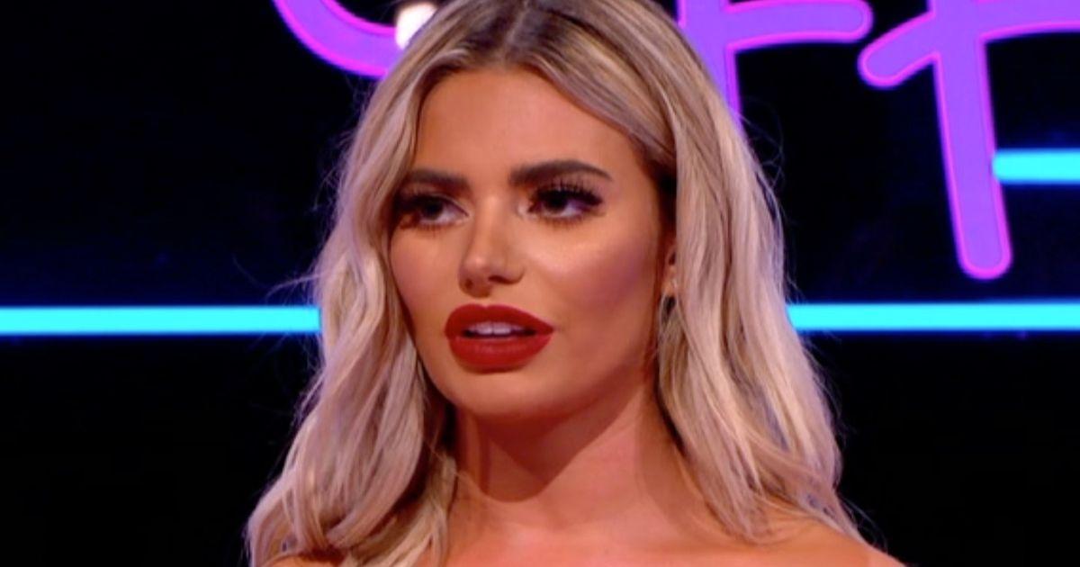 Megan Barton-Hanson risks wardrobe malfunction