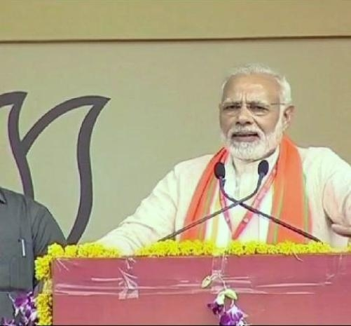 Prime Minister Modi targets on the Congress and Pakistan in the BJP party workers Mahakumbh