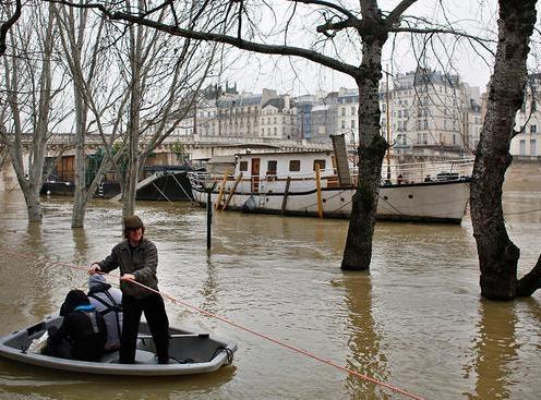 Flash floods kill 6 in France's Aude region