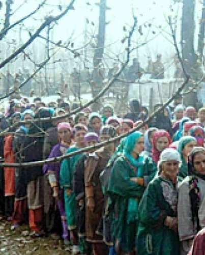 Rain adds to voters' reluctance in Srinagar, Ganderbal in the fourth phase of Jammu and Kashmir municipal polls
