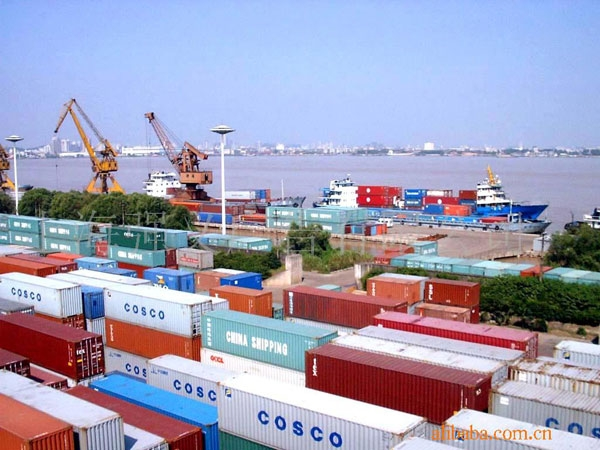 Govt. released figures: 2.15% Decline in export, 10.45% hike in Imports, trade deficit reaches 1398 cr