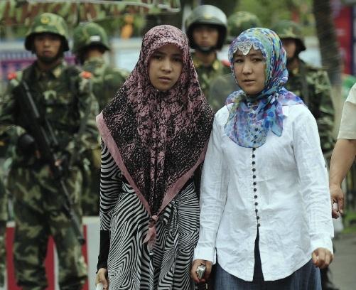 चीन में 'सुनियोजित' तरीक़े से हो रहा है उइगर मुस्लिमों पर 'अत्याचार'