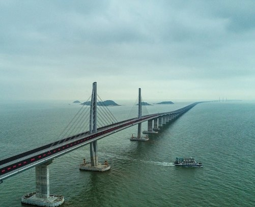 Chinese President opens world's longest sea-crossing bridge