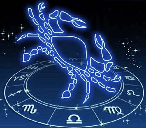Cancer zodiac person don't believe in extravagance, spend money after proper thinking