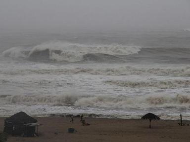 Cyclone Gaja set to cross TN coast near Nagapattinam