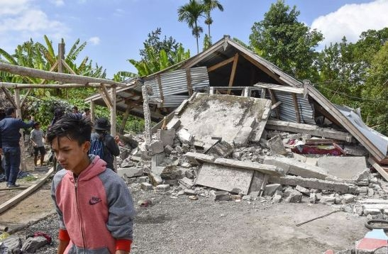7 killed as quakes, landslides hit Indonesia