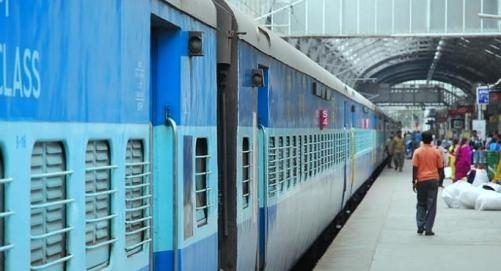 Airline like booking facility to be available to railways passengers