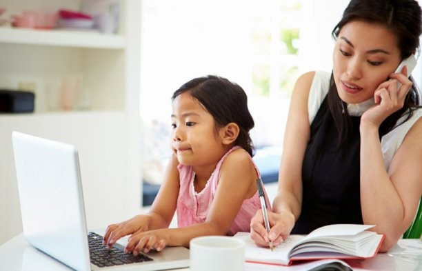 Part-time working mothers more likely to work longer without pay
