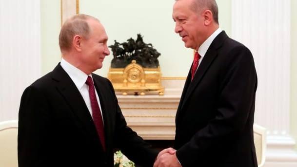 Putin welcomes Erdogan to Moscow to discuss Syrian war