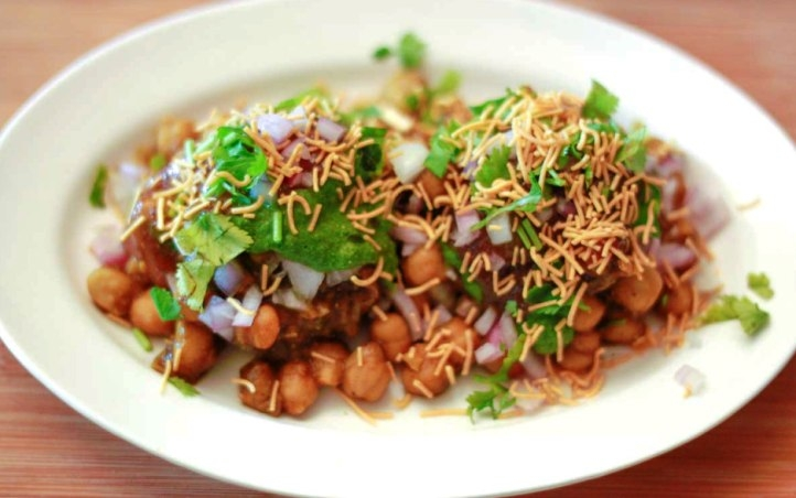 2 Minute recipes: Tasty Aloo-Chana Chat