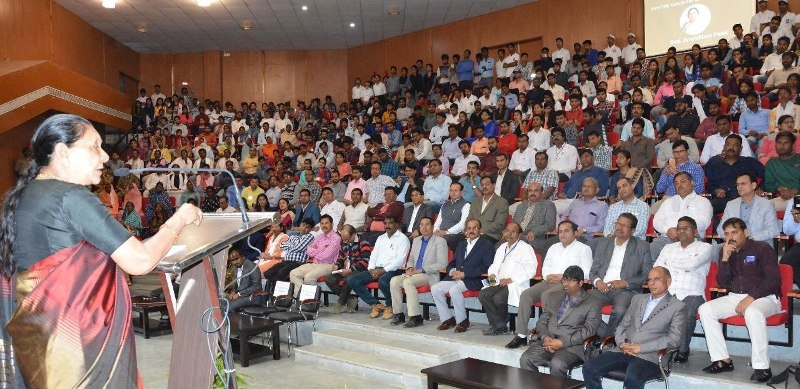 Youth should make efforts to become entrepreneurs; Governor Patel
