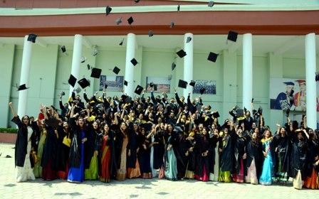 ग्रेजुएशन सेरेमनी में 133 विद्यार्थियों को मिली एबीबीएस की डिग्री