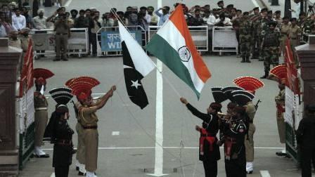 पाकिस्तानी विदेश मंत्री ने जताया भारत द्वारा पाकिस्तान पर हमले का 'ख़तरा'