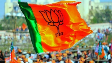 The BJP trapped in the strategy of front line leader or second line leader in Bhopal seat