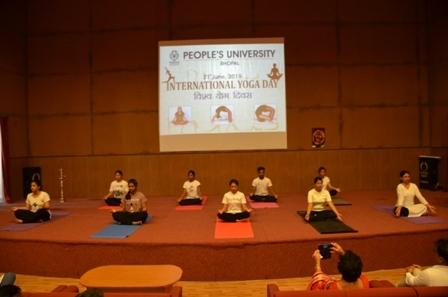 अंतर्राष्ट्रीय योग दिवस पर कार्यक्रम का आयोजन