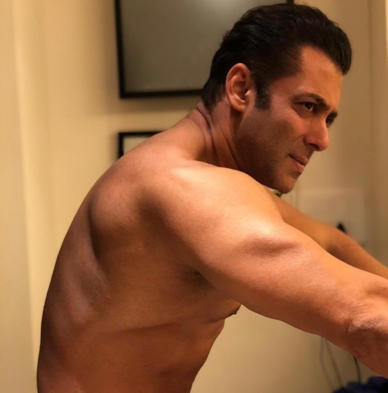 Salman taunts #Bottle Cap Challenge in wacky way