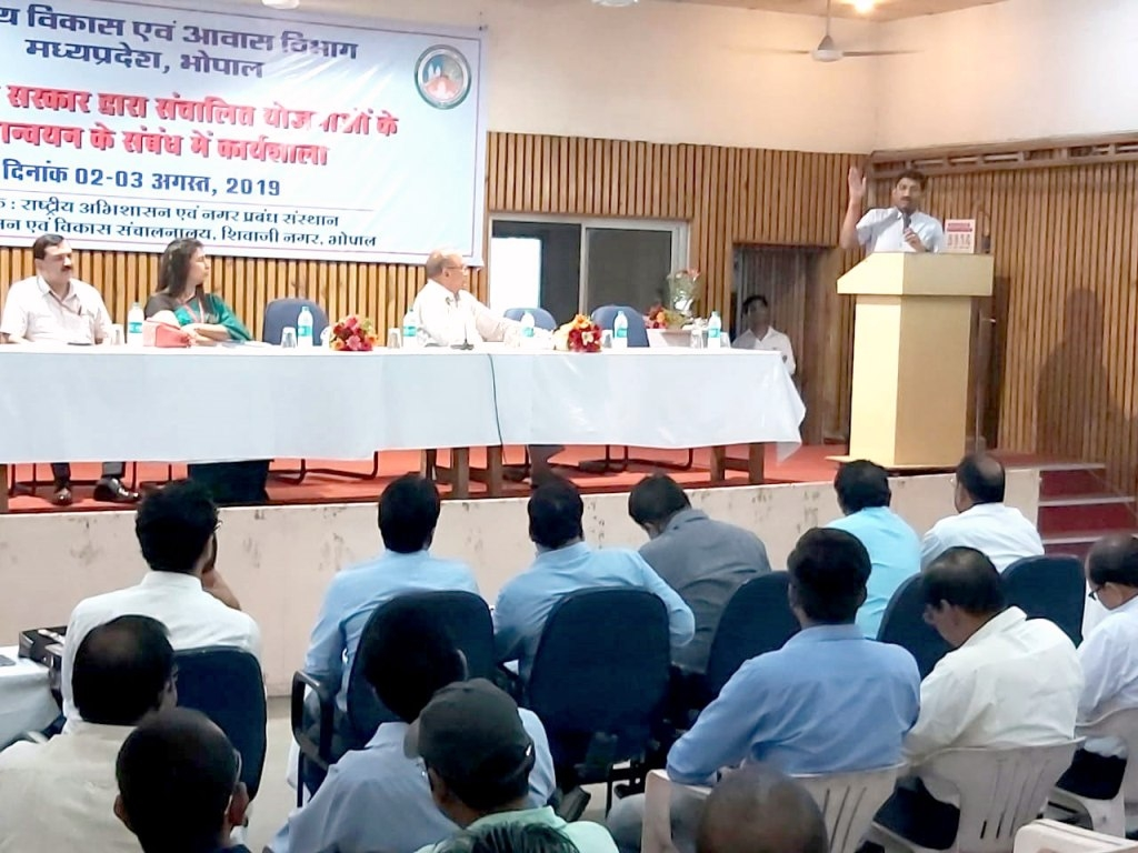 Eligible beneficiaries should get benefit of schemes at home: Commissioner Narhari