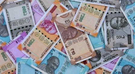 रुपये में एक दिन में 6 साल की सबसे बड़ी गिरावट