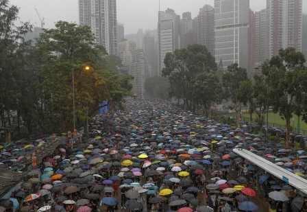 लगातार जारी है हांगकांग में चीन विरोधी प्रदर्शन