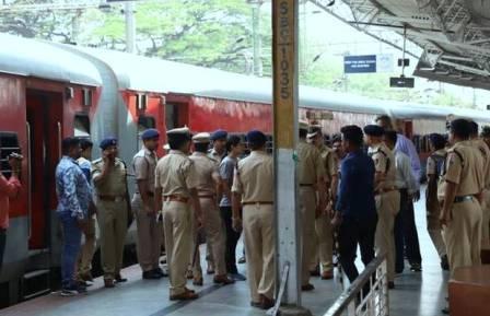 रेलवे स्टेशन पर अपराधियों की पहचान करेगी अब 'तीसरी आंख'