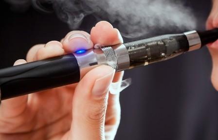 जानिए आख़िर क्यों ई-सिगरेट पर सरकार ने लगाया है प्रतिबन्ध?