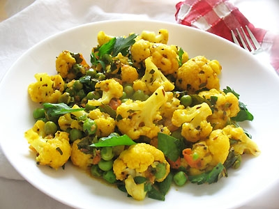 Cauliflower and Peas curry